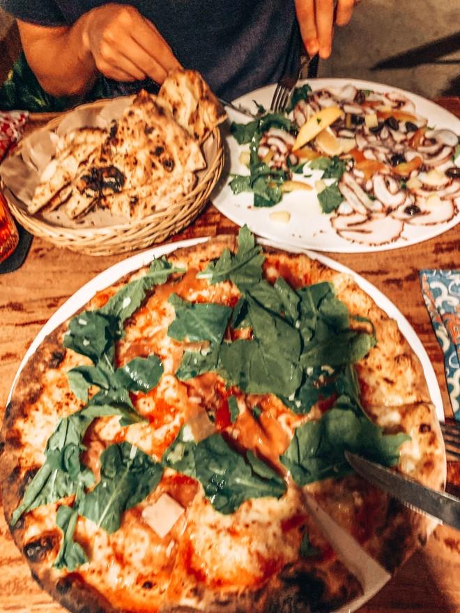 Pizza w Casa Asia Ubud